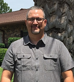 Deaf Pastor Andrew Lower